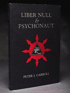 Capa do livro Liber Null & Psychonaut escrito por Peter J. Carrol