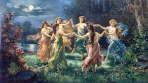 Moças wicca brincando de roda na floresta