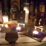 Altar com Servos Astrais The Seer The Witch The Idea The Librarian