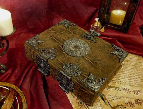 A prática de manter um Diário Mágico | Grimório | Livro das Sombras